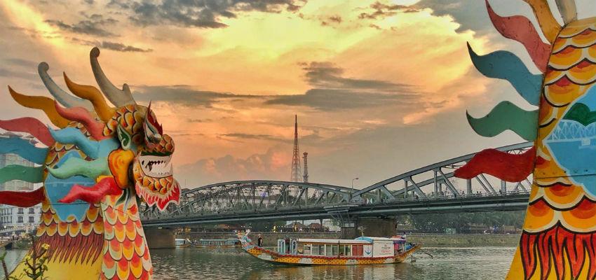 Experience the nightlife in Da nang - VM Travel