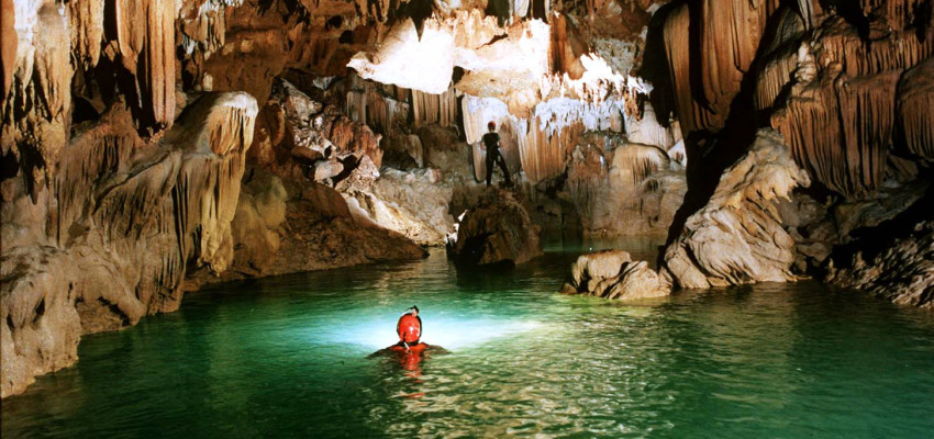 Hue To Phong Nha Cave 1 Day Group Tour Vm Travel
